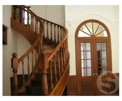 Изготовление лестниц, дверей, плинтусов, столярка