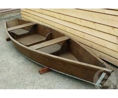 Продается лодка деревянная