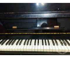 Продам пианино в Киеве