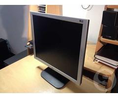 Продам ЖК-монитор LG Flatron L1918S