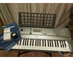 Продам синтезатор Yamaha PSR-R300