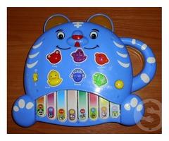 Продам музыкальную развивающую игрушку