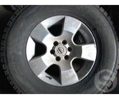 Продам шины б/у колеса в сборе для Ниссан патфайндер (навара) 16 радиус